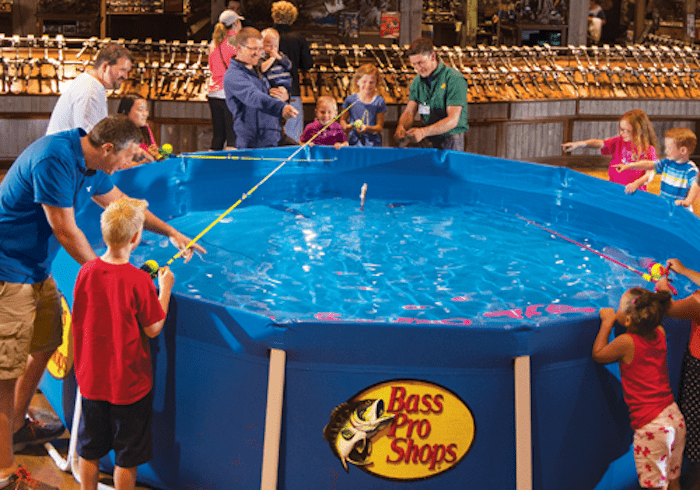 Free spring fishing classic weekend at bass pro shops for Bass pro spring fishing classic 2017