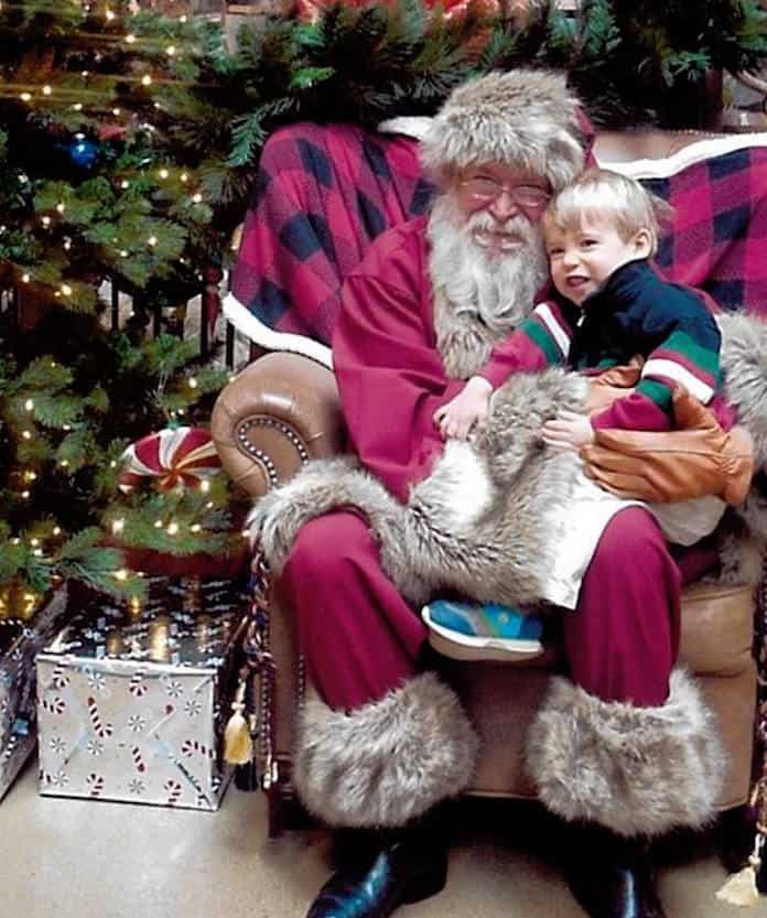 Free Pictures With Santa At Cabela S Charlotte On The Cheap