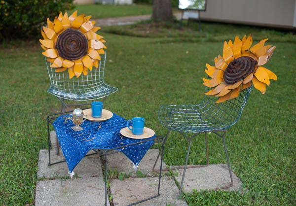 Coffee Break in Van Gogh Studio, by Linda Vista